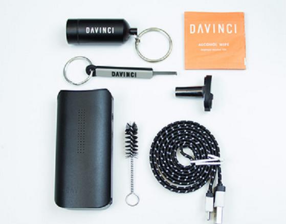 DaVinci IQ Vaporizer-showing-full-kit