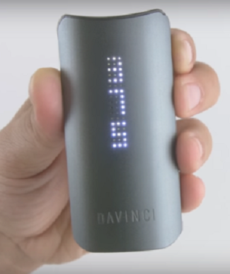 DaVinci IQ Vaporizer-showing-temp-display